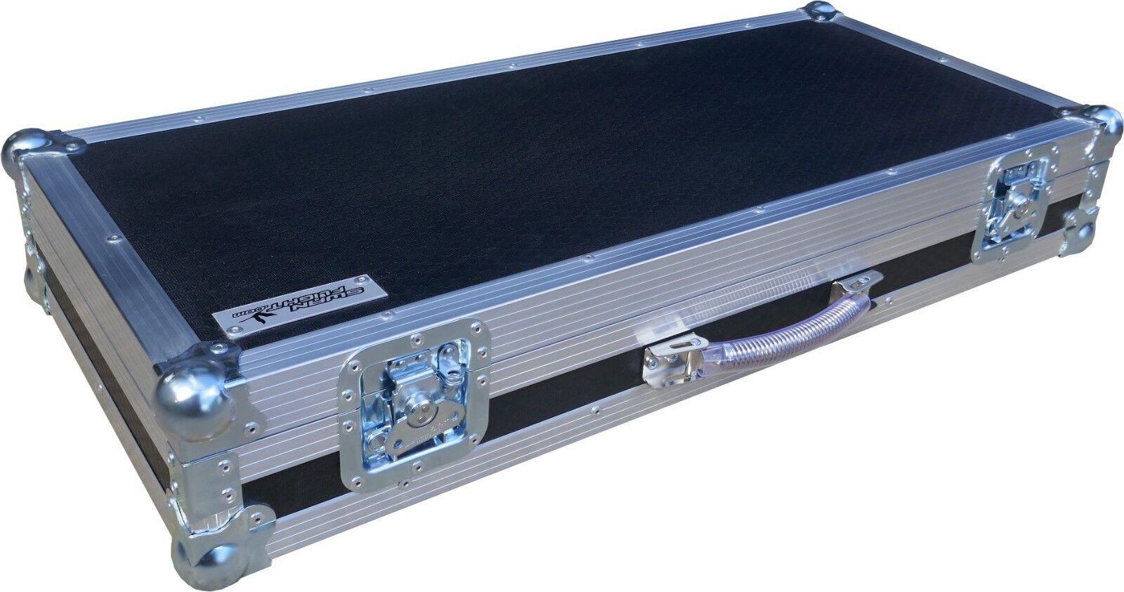 Mellotron M4000D Mini Keyboard Piano Swan Flight Case (Hex)