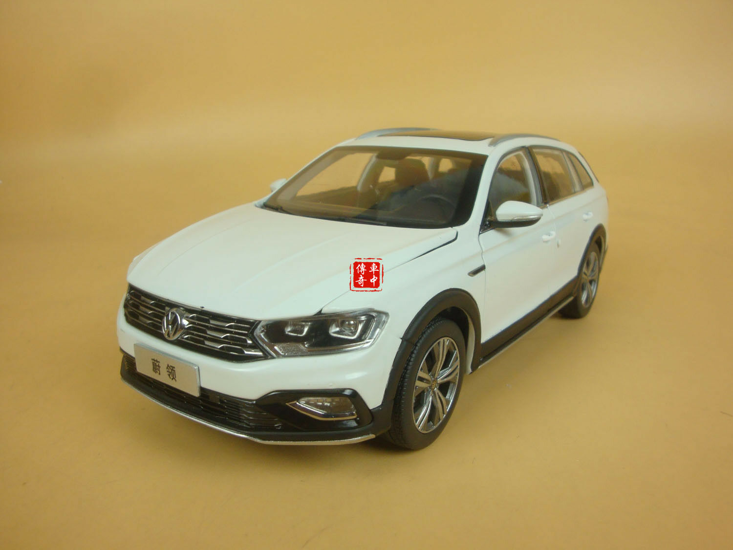1 18 Volkswagen C-Trek C-TREK white color diecast model + GIFT