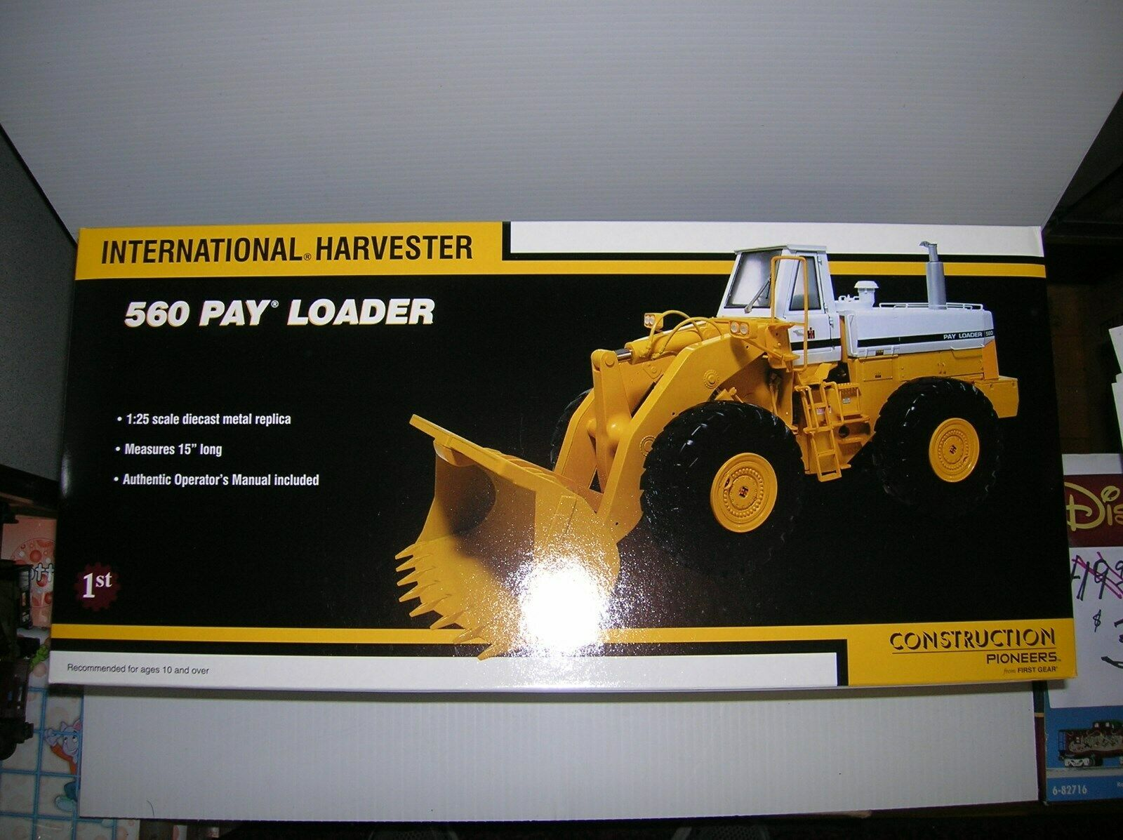 1ST GEAR  40-0071  560 PAYLOADER  1 25 , NEW BOXED  , LOT   17498