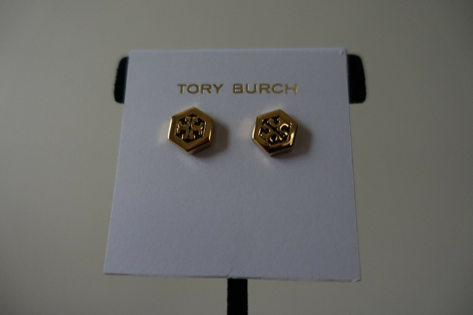 5c0e40a2a27a TORY BURCH STUD EARRINGS gold COLOR. NEW HEX-LOGO nogpbj2591-Jewelry ...