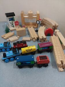Clickety-Clack Track $2 Thomas /& Friends Wooden Railway /& similar