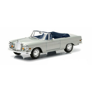 THE HANGOVER GREENLIGHT 1//43 1969 MERCEDES-BENZ 280 SE SILVER CLOSED WITH TIGER