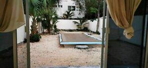 Casa con vista a la alberca privada, terreno amplio en venta en La Veleta