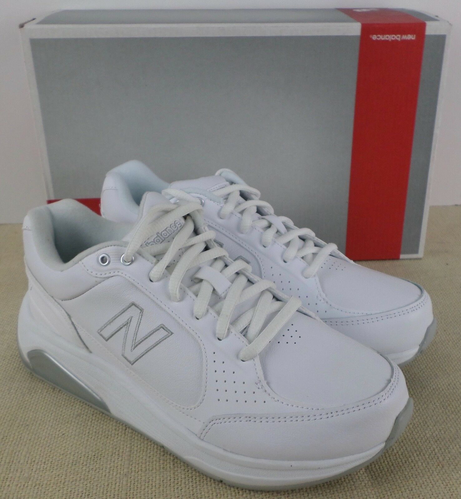 NEW BALANCE WW928WT WOMEN'S WHITE WALKING ATHLETIC SNEAKERS NEW IN BOX