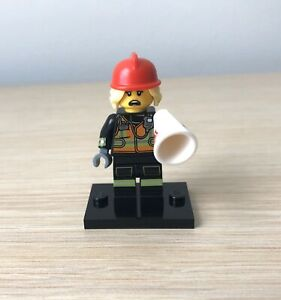LEGO-71025-Series-19-Minifigures-FIRE-FIGHTER-IN-HAND-NEW-See-Details