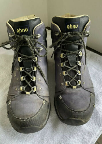 AHNU Montara Woman's Hiking Boots Size US 10, Eu 4