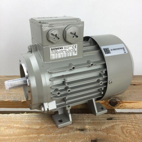 Siemens 1LE1002-0CA32-2NA4 3 Phase Motor Drehstrommotor  0,55 kW IE1 B34 3000