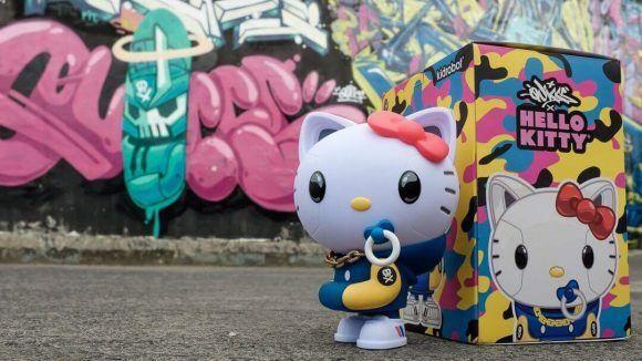 Kidrobot X Sanrio Hello Kitty 8  medio figura por Quiccs