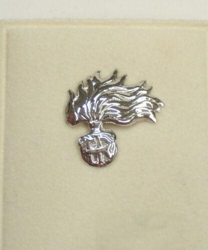 Fiamma Arma dei Carabinieri: Spilla da giacca (pins) in ORO BIANCO 750 - 18 Kt