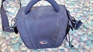 Fujifilm-FinePix-S5700-7-1-MP-Digital-Camera-w-10-x-Zoom-With-Bag-Black