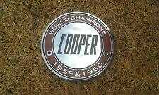 """MINI JOHN COOPER Mk1 S WORKS SMALTO griglia Badge """"CAMPIONI DEL MONDO"""" RARO MPI RACE"""