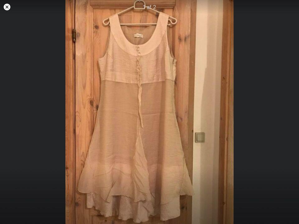 Anden kjole, Jorli, str. M