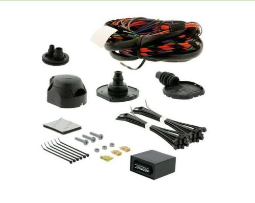 13 Pin Specific wiring kit RHD for Ford Mondeo 5dr Hatch 2007-2014 FR051D1U/_UKH2