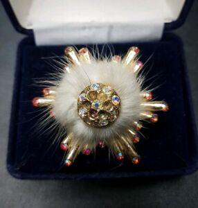 Vintage-Fur-Diamante-Gold-Tone-Flower-Pin-Brooch-Costume-Jewellery-Pretty-Paste