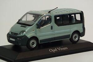 Minichamps-Opel-Vivaro-A-Familiar-Camion-1-43-Plata-Verde-Coche-a-escala