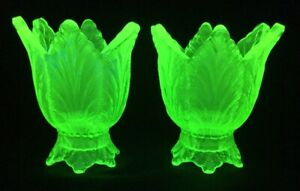 Fenton-Art-Glass-Pair-Of-Key-Lime-Glass-Leaf-Two-Way-Votive-Candle-Holder-Set