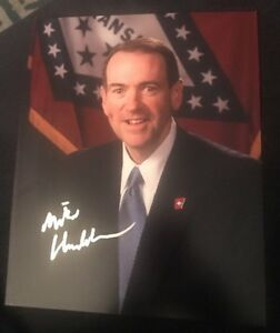 MIKE-HUCKABEE-SIGNED-8X10-PHOTO-PRESIDENT-TRUMP-W-COA-PROOF-RARE-WOW