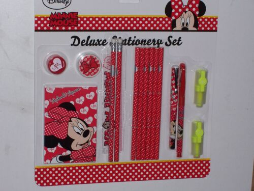 Minnie Mouse ensemble papeterie Deluxe