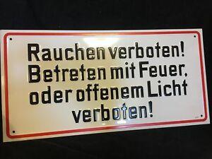 Metallschild-Schild-Rauchen-verboten-Betreten-mit-Feuer-oder-offenem-Licht-verbo