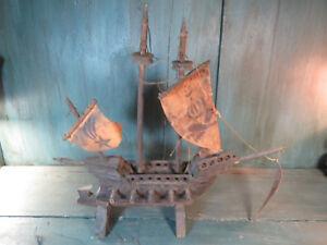 ANCIEN-BATEAU-VOILE-VOILIER-BOIS-CARAVELLE-GALLION-MAQUETTE