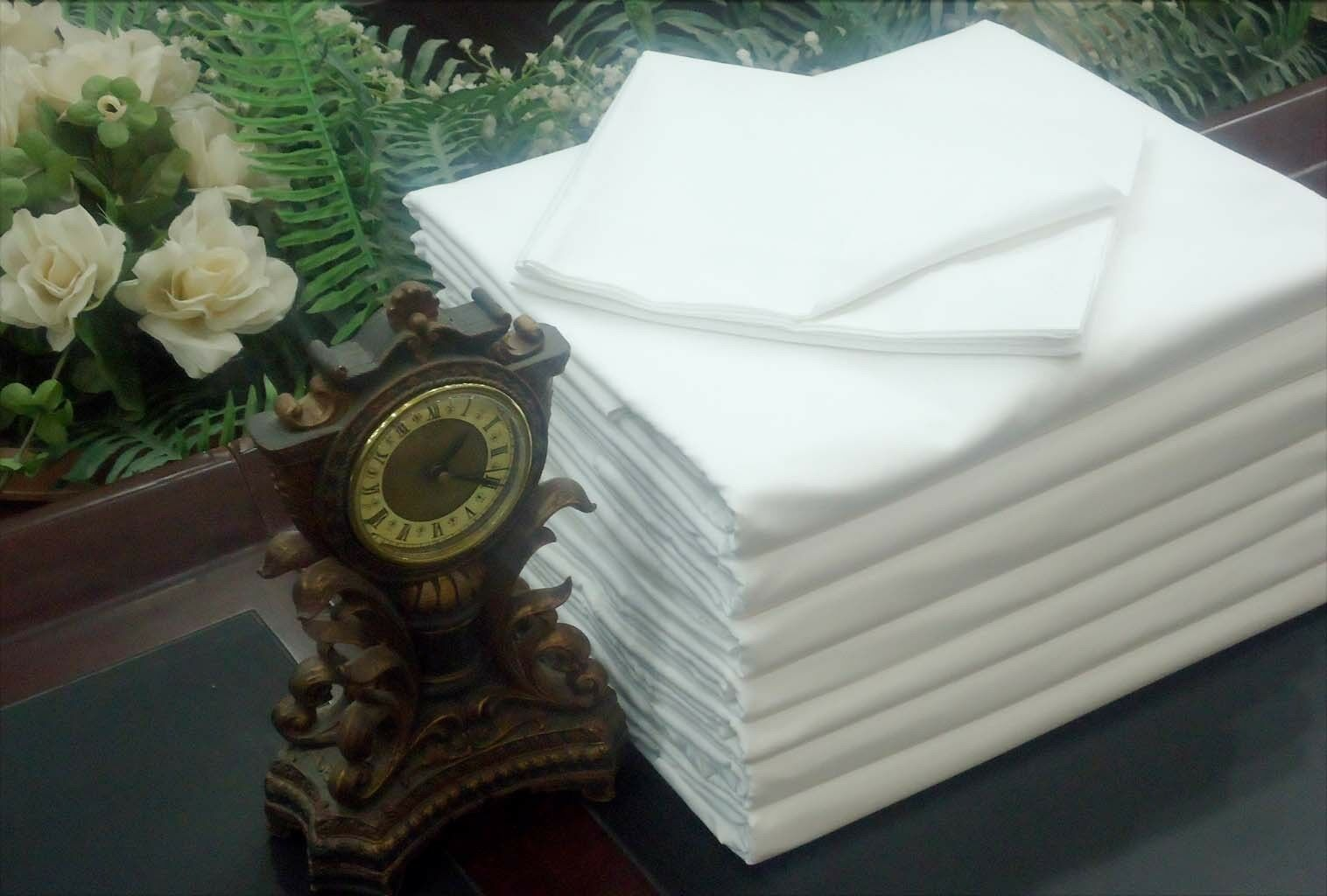 LOT OF 6 BRAND NEW BRIGHT WHITE QUEEN BED SIZE FLAT SHEETS T-180 PERCALE CVC