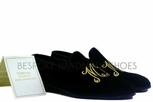 Mocassins et chaussures à enfiler brodés doré et noir à la main pour hommes