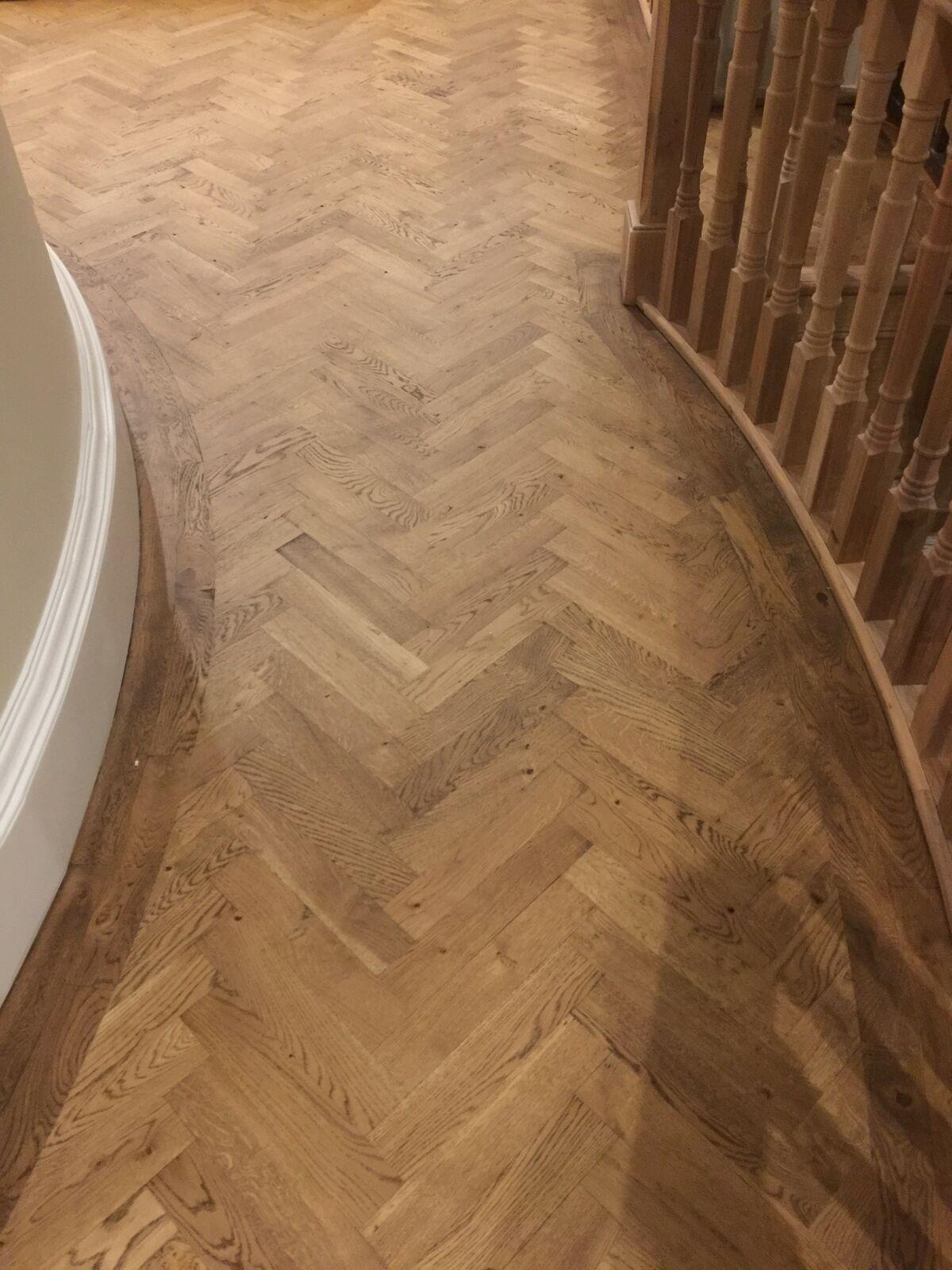 Parquet Oak Wood Flooring in Natural Finish Herringbone or Fishbone Design