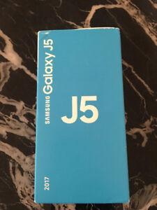 Samsung-Galaxy-J5-SM-J530F-16GB-Nero-Unlocked-Smartphone-2017-NUOVO-Sealed