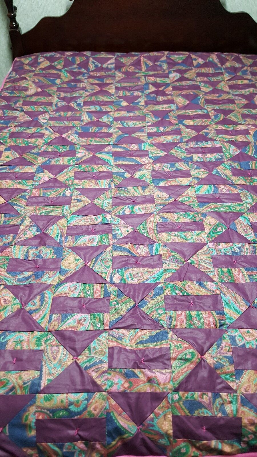 Mosaic Chain & Hourglass Twin Quilt