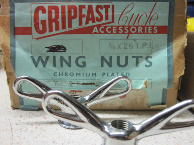 PASHLEY GUVNOR GRIPFAST VINTAGE BIKE BICYCLE HUB WING NUTS ENGLAND NOS 3//8-26