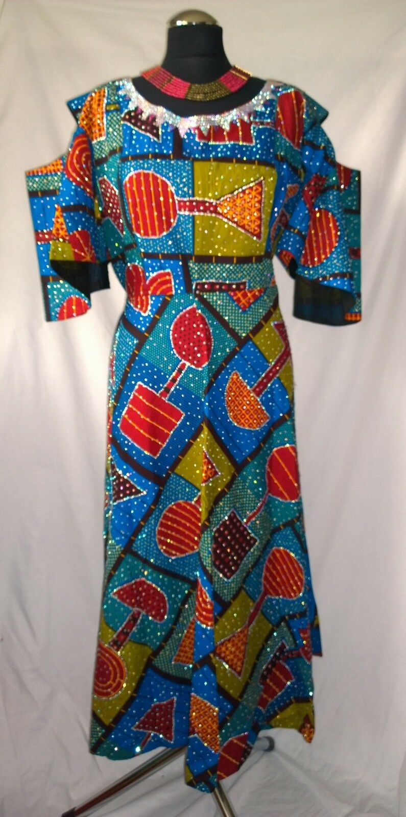 Stunning Traditional African Cold Shoulder Dress - size ( B2)
