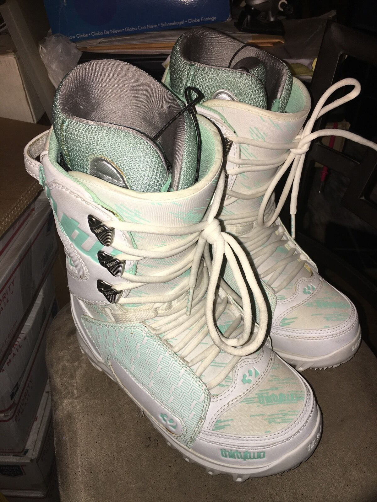 Lightly Used THIRTY TWO 32 Womens Lashed  White  Mint snowboard boots Ladies US 9  discount store