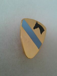 Authentic-US-Army-1st-Cavalry-Headquarters-Troops-Insignia-DUI-DI-Crest