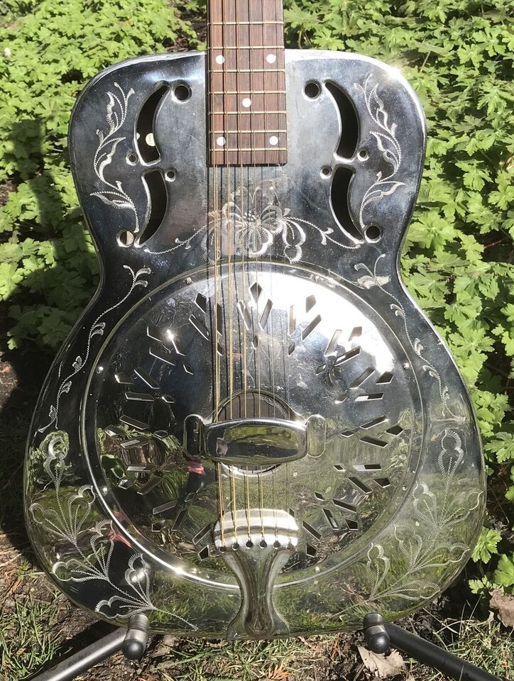 Dobro, Johnson 998 Engraved