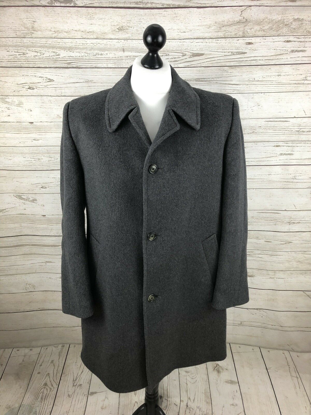 WELLINGTON Vintage Overcoat - 40 Small - Cashmere- Grey - Wool - Great Condition