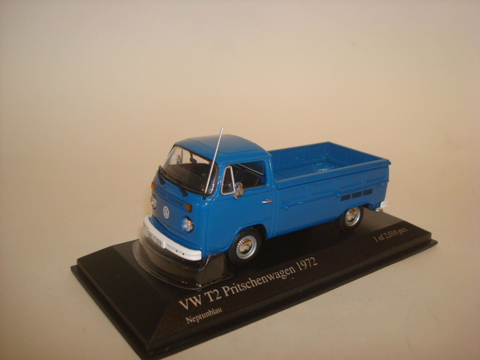 Volkswagen T2 Single Cabin bluee MINICHAMPS 400053200 1 43
