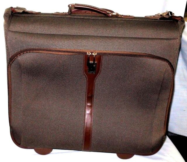 London Fog Kensington Garment Bag Ultra Lightweight Collection 44 Wheeled Brown