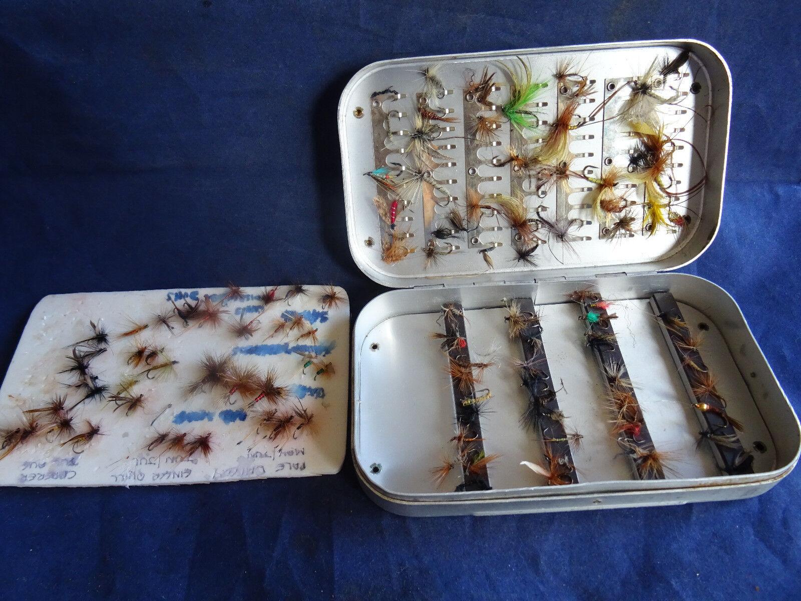 A SCARCE MODEL WHEATLEY SILMALLOY 70 CLIP MAGNETIC STRIP FLY FISHING BOX & FLIES