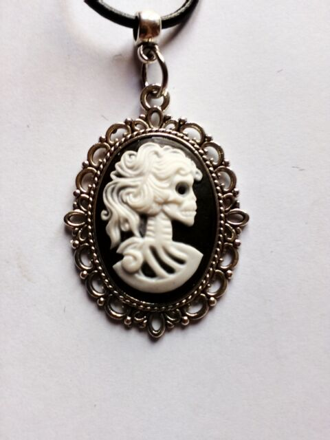 "Gothic Lady Vintage skull Black & White Cameo Real Leather cord 17"" choker"