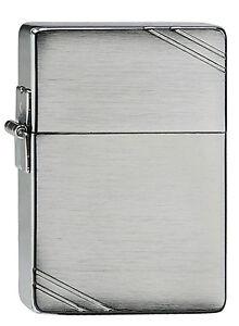 Zippo-1935-Replica-with-Slahes-Chrom-auf-Wunsch-mit-personlicher-Gravur-1026035