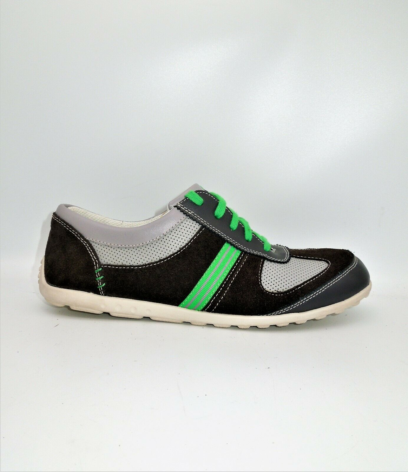 CLARKS Mens Size 6.5UK Casual Sneakers Leather/TextileGrey/Green Green Laces EUC