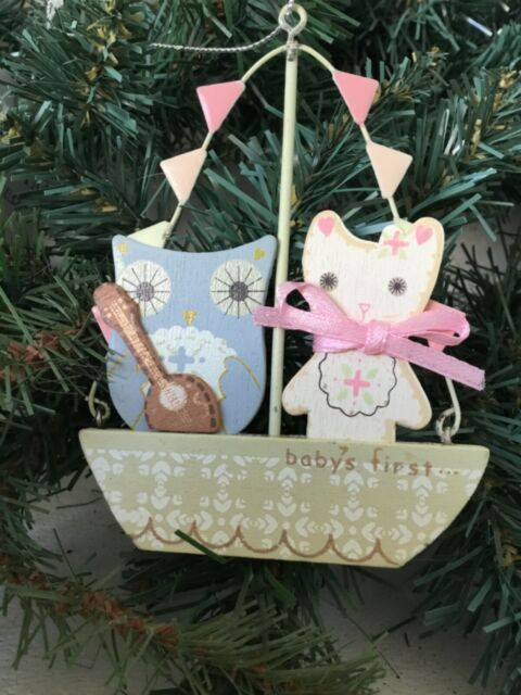 Gisela Graham Baby's 1st Christmas a Wooden Owl and a Pussycat Decoration 12cm
