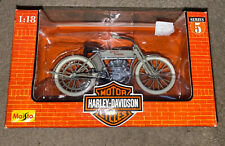 M043-1 Maisto 1:18 Harley Davidson 1909 TWIN 5D V-TWIN Khaki Motorcycle Model