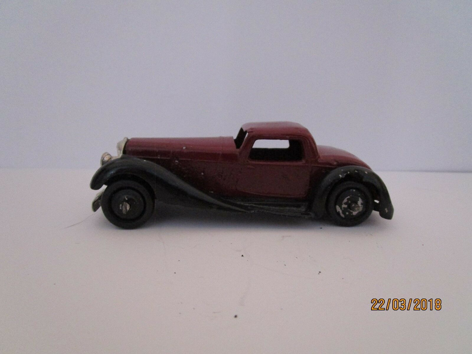 Dinky Toys 36B  Bentley 2 seater sports coupe Issued 1946 - 1958