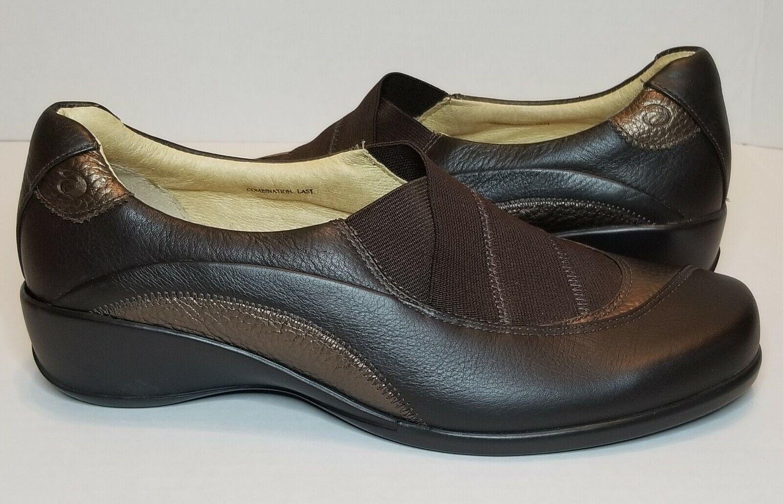7B Aravon Tess Slip-On Loafer Women's Brown Shoes EUC WST04DB