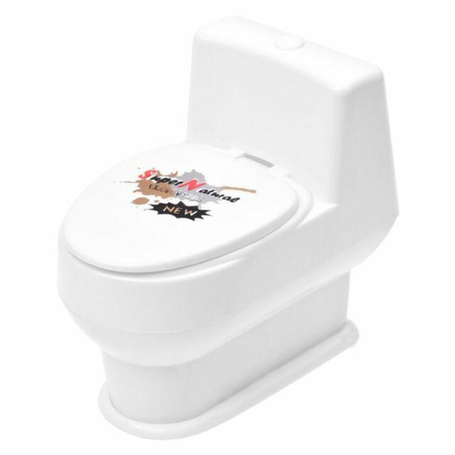 White Mini Interesting Funny Toilet Bowl Supernatural Water Gun Toy For Kid G7Y5