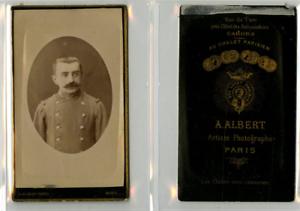 A. Albert, Un Militaire Pose Cdv Vintage Albumen Carte De Visite, Tirage Albu Acheter Un Donner Un
