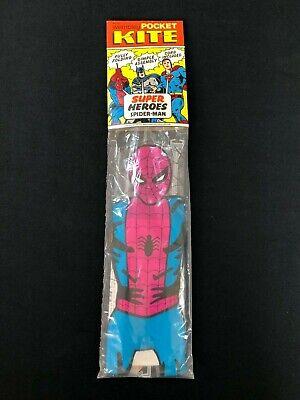 Vintage Con 1970s Convoglio Super Heroes Spider-man Pocket Aquilone Nuovo Vecchio Stock Rf3-mostra Il Titolo Originale Famoso Per Materie Prime Di Alta Qualità, Gamma Completa Di Specifiche E Dimensioni E Grande Varietà Di Design E Colori