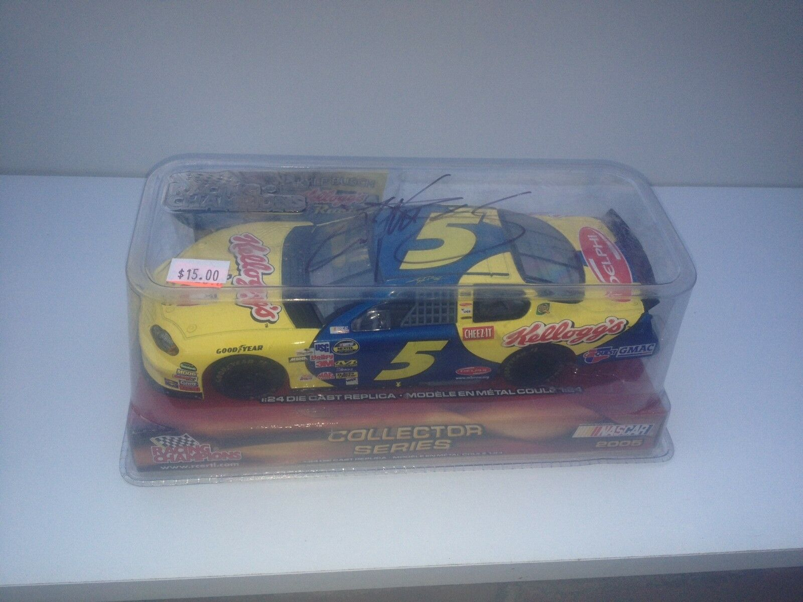 2005 Racing Champions Kyle Busch Kelloggs Rookie 1 24 car signed  jaune Rookie