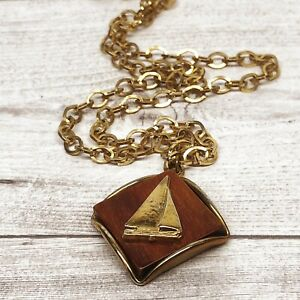 Vintage Gold Tone Large Link Chain Necklace Square Wood Sail Boat Pendant Charm